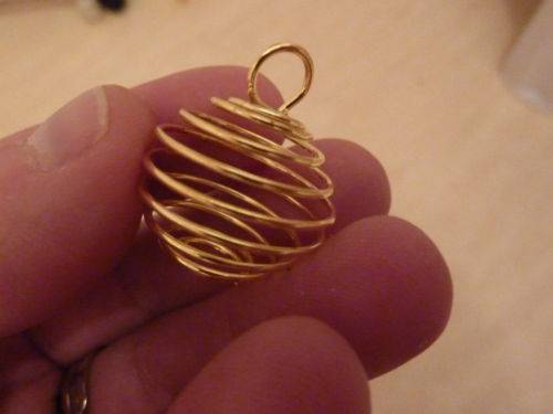 Spirale cage dorée 2.6 CM X 2,2 CM A 3.5 CM