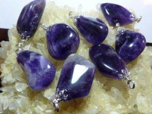 Pendentif en pierres naturelles amethyste uruguay 2,5 cm à 3,5 cm