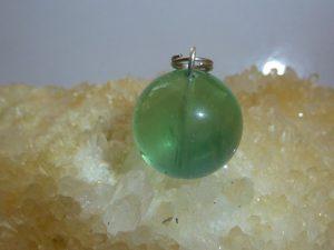Pendentif Fluorite - perle ronde 1,6 cm