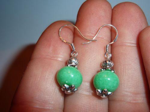 Boucles d'oreilles jade vert emeraude perles 10 x 8 mm