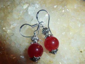 Boucles d'oreilles agate rouge rubis perles rondes 8 mm