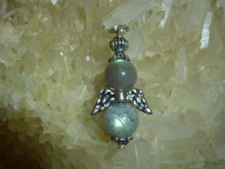 Pendentif protection ange labradorite perles rondes 8 mm