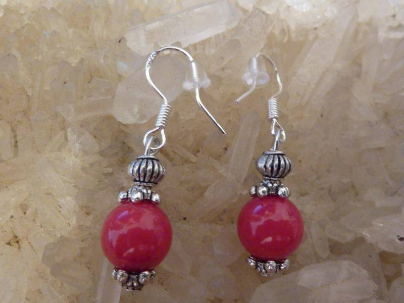 Boucles d'oreilles corail rouge perles rondes 8 mm