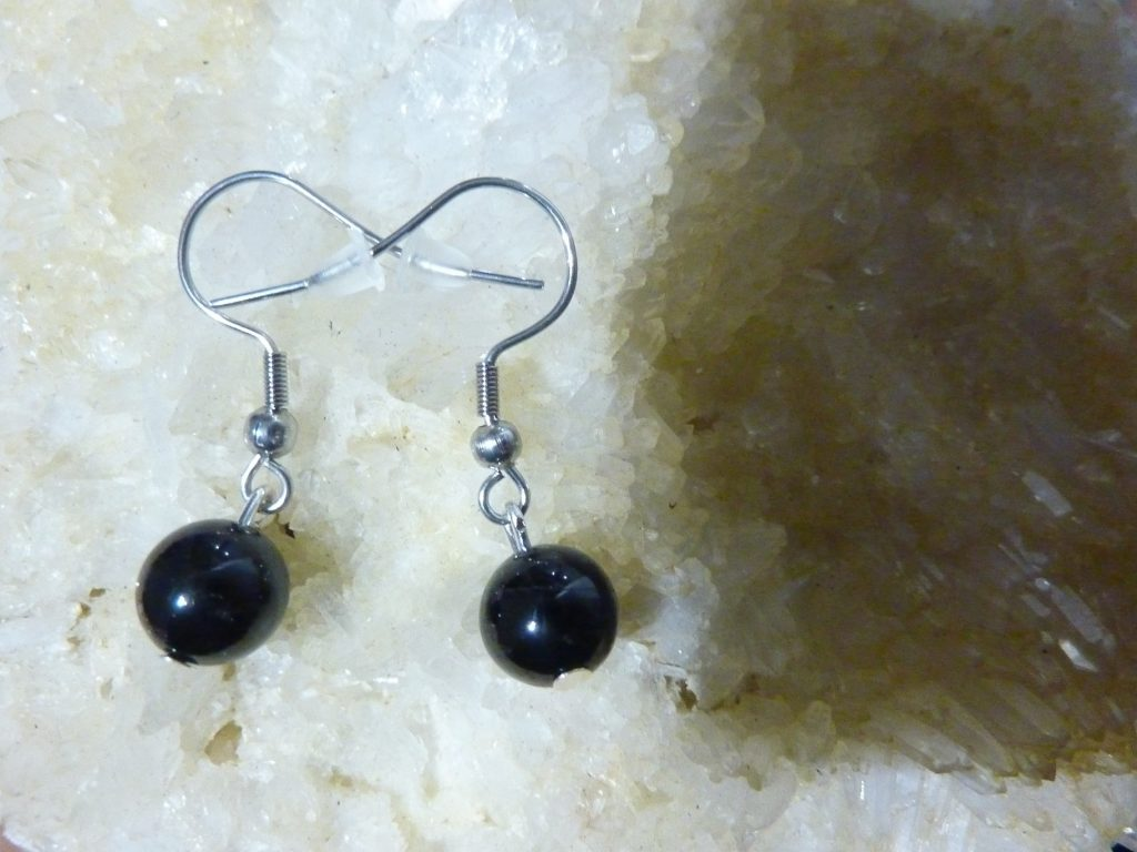Boucles d'oreilles spinelle noir qualitéé AA perles rondes 8 mm