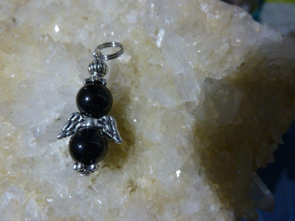 Pendentif Spinelle noir - perles rondes 8 mm
