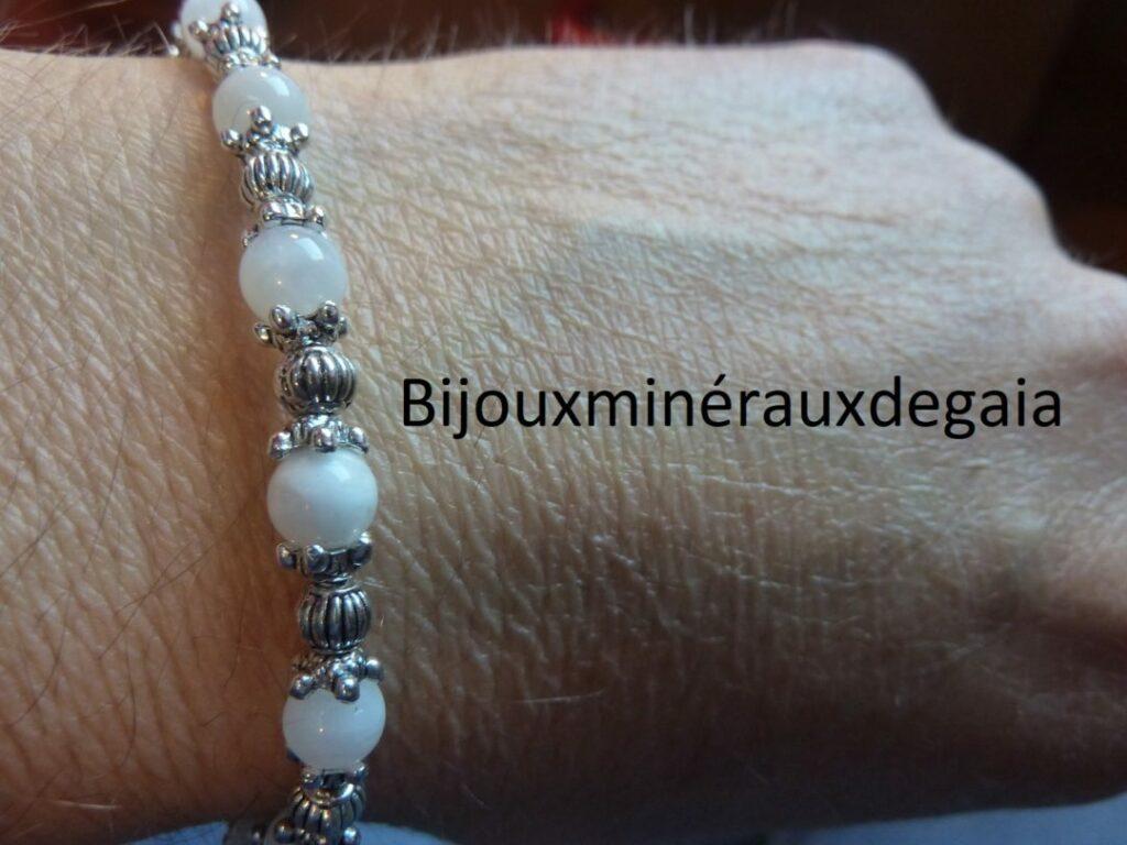 Bracelet pierre de lune : perles rondes 6 mm et plaqué argent