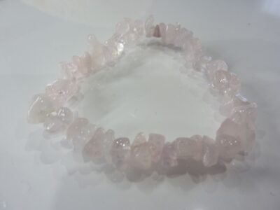 Bracelet pierres naturelles quartz rose perles multiformes 6-10mm