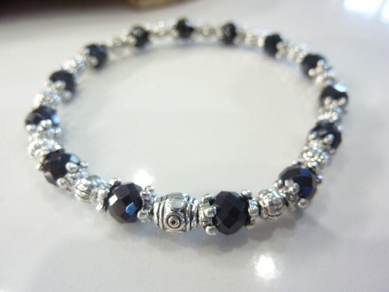 Bracelet spinelle noir à facettes 6 mm