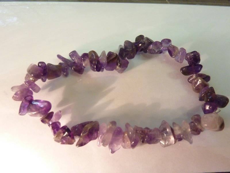 Bracelet en pierres naturelles amethyste lavande perles multiformes 6-10mm