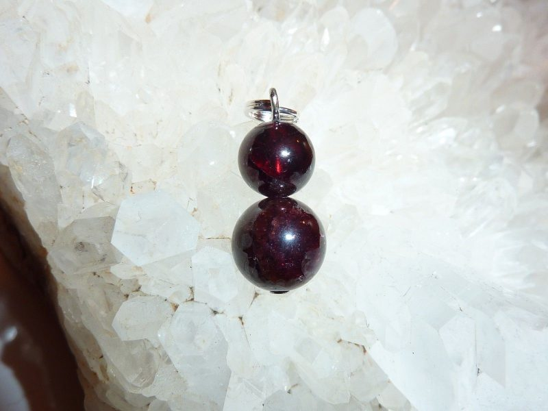 Pendentif Grenat Almandin - perles rondes 10-8 mm