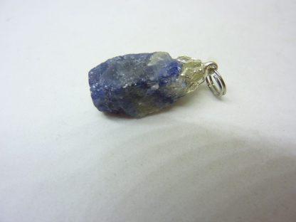 Pendentif Saphir brut 6,9 gr ref 8264