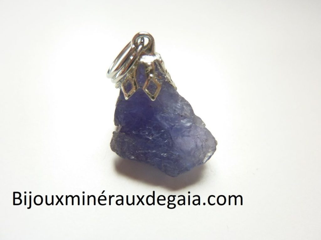 Pendentif Tanzanite brut 2,8 gr très rare ref 8720