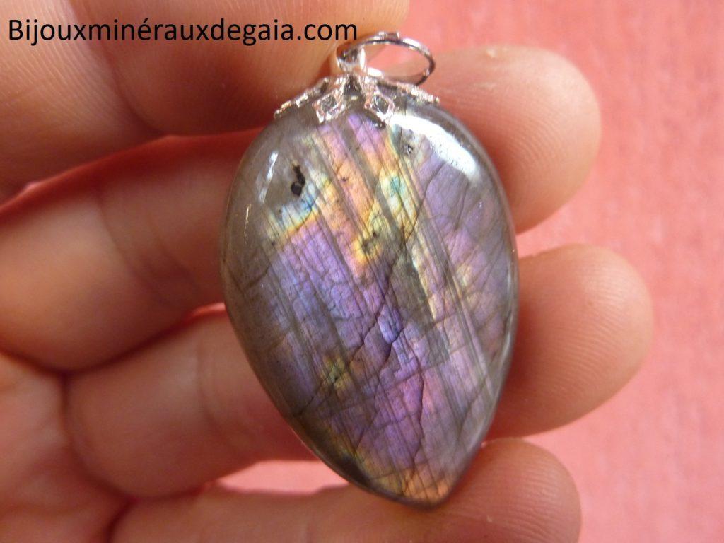Pendentif Labradorite violette Rare ! Poids 12,3 gr ref 2620