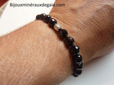 Bracelet spinelle noir perles à facettes 8 mm