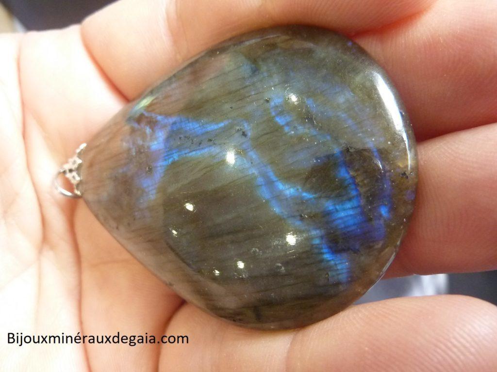 Pendentif Labradorite orange-violette Rare ! Poids 32,8 gr ref 4533