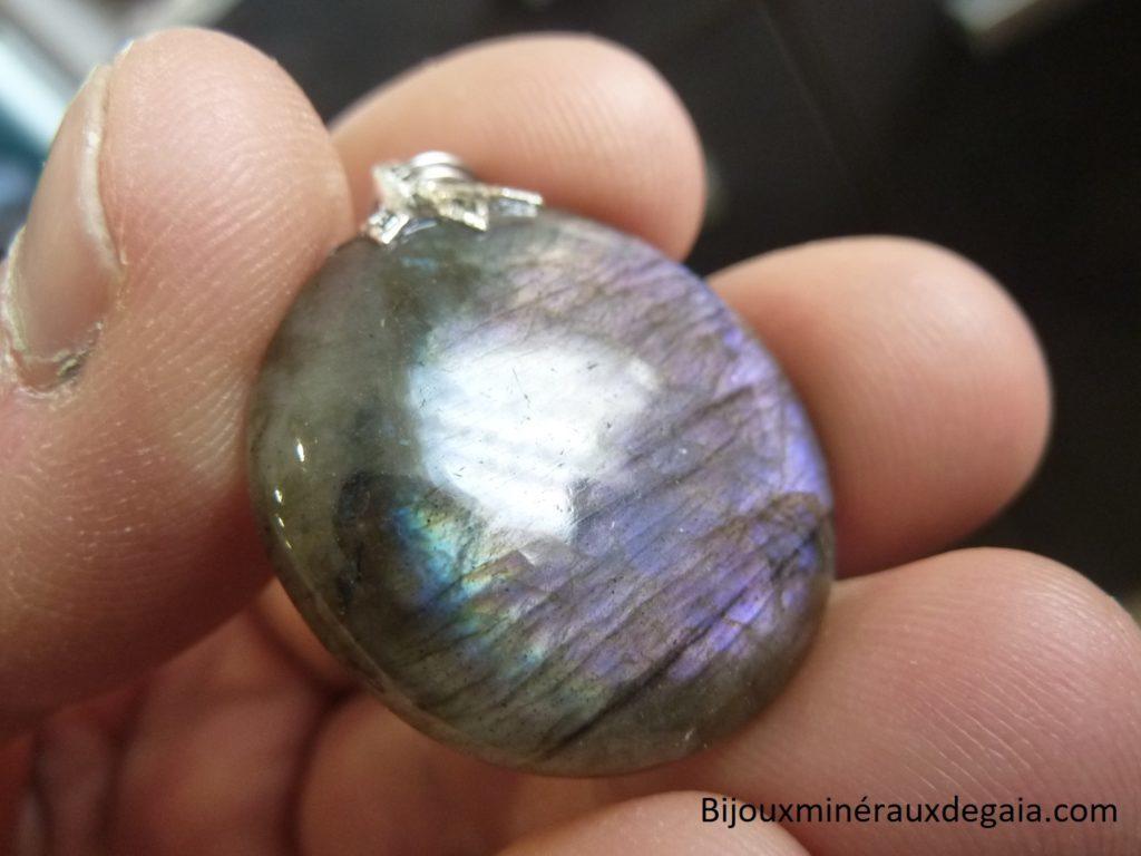 Pendentif Labradorite violet Rare ! Poids 10 gr ref 6770