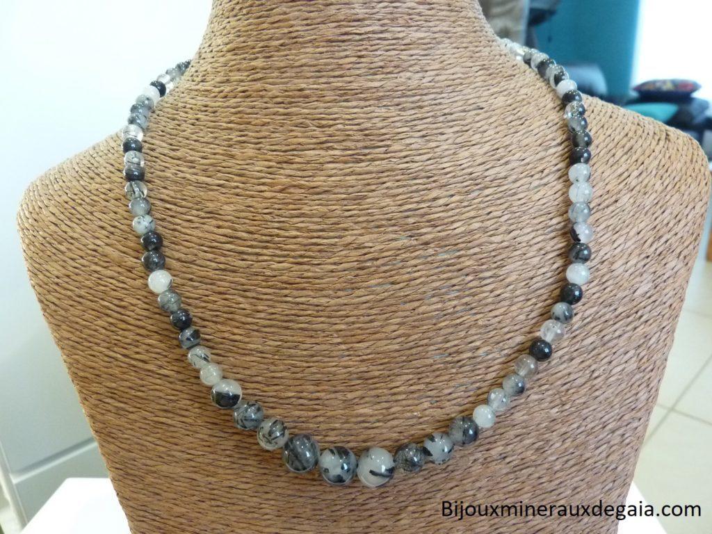 Collier quartz tourmaliné perles rondes 10-8-6 mm