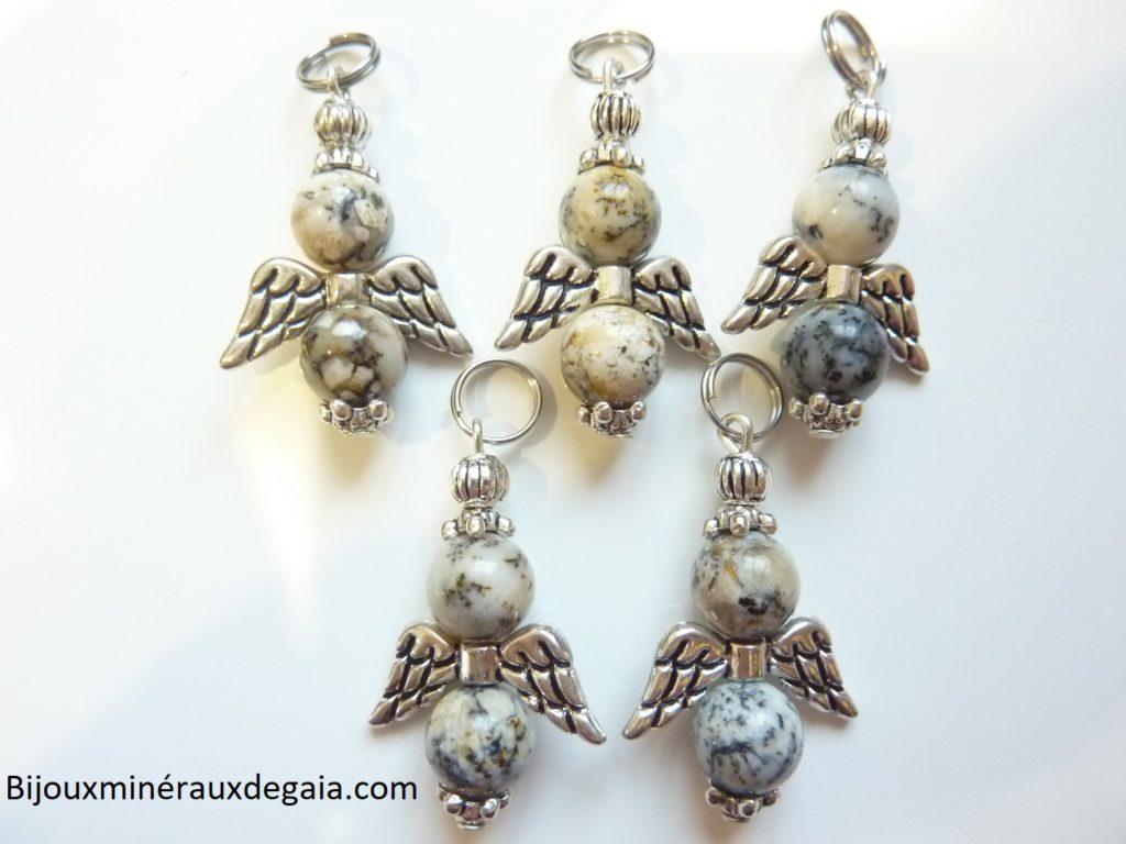 Pendentif Merlinite opale dentritique ange