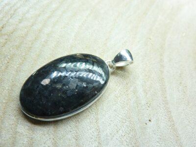 Pendentif Nuummite Véritable monture argent 925 Rare ref 9263