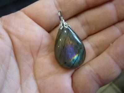 Pendentif Labradorite violette Rare ! Poids 8,7 gr ref 3254