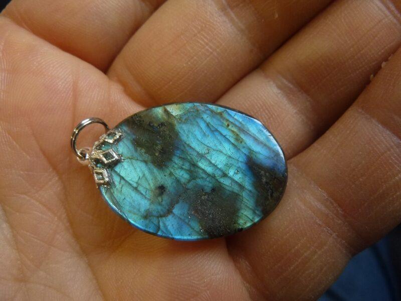 Pendentif Labradorite 7,8 gr réf 1397