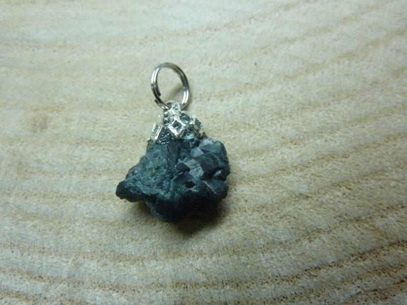Pendentif Alexandrite Chrysobéryl brut 2,2 GR Ultra Rare ref 2721